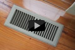 Heating vent with play